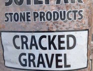 Cracked Pea Gravel 20kg