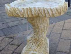 BB14 Small Log Birdbath Limestone