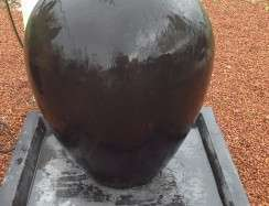 01000 Oval Urn Fountain