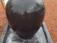 01000 Oval Urn Fountain